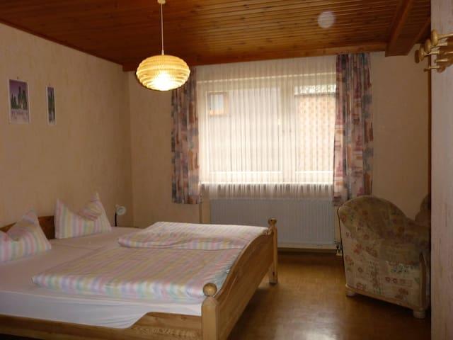Pension Löffler (Steinbach am Wald), großes Doppelzimmer