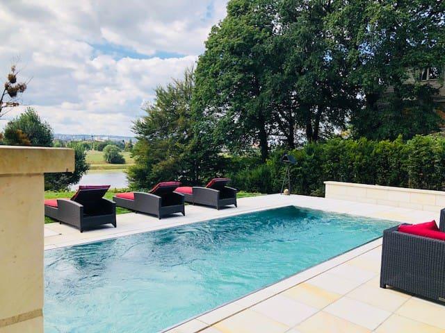 Poolhaus luxuriös + zentral + modern + Elbzugang