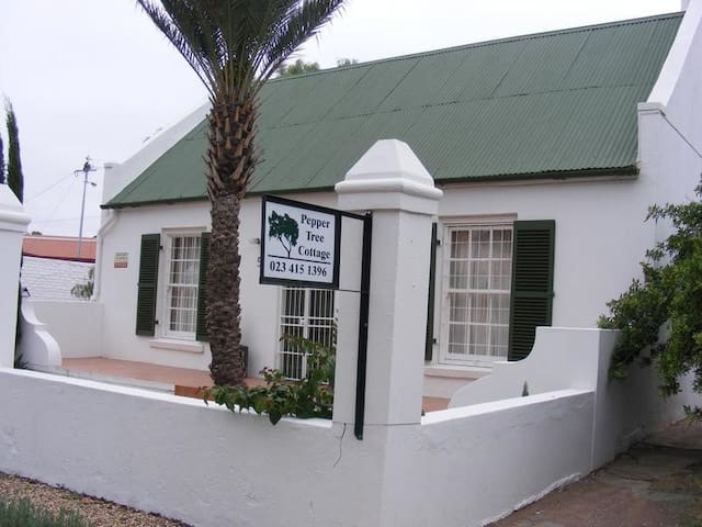 Pepper Tree Cottage - 2 bedroom Cottage