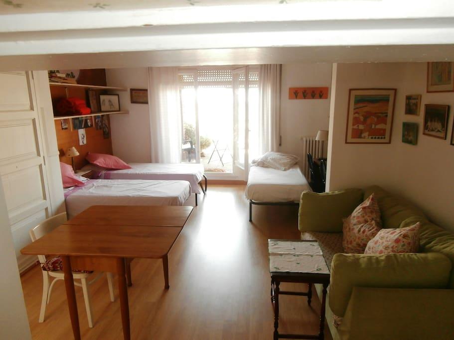 La habitación  con las 3 camas