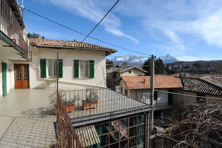 Quiet and sunny terrace overlooking the Grigne - Magreglio