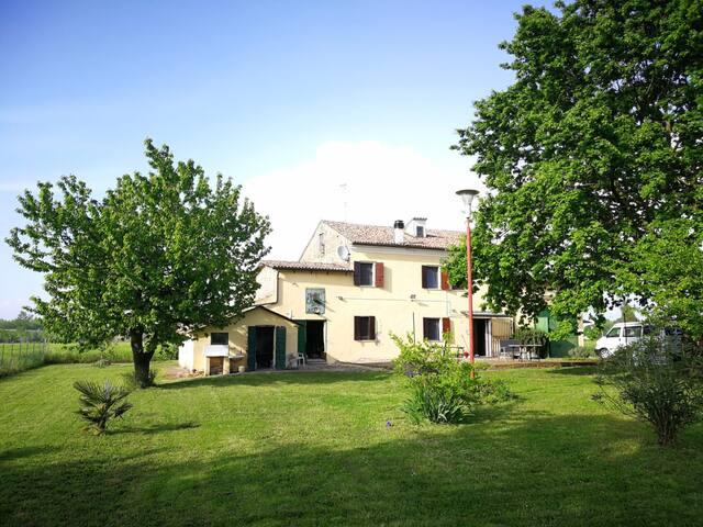 Charmantes Bauernhaus / Casa Colonica romantica