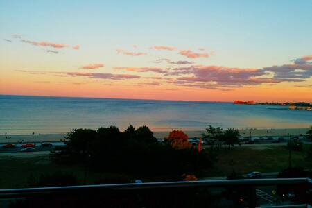 Highrise Ocean View-2 min to train-10 min to Logan - Revere