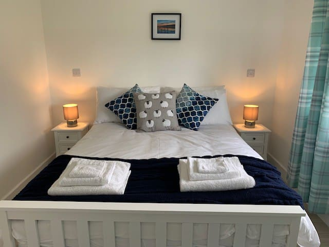 Cosy & comfortable double spring mattress