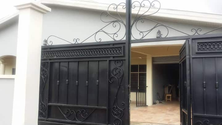 Ahwiaa Kumasi 5 bedroom house in historic area