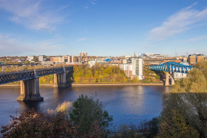 Newcastle Quayside Apartment with River Tyne view