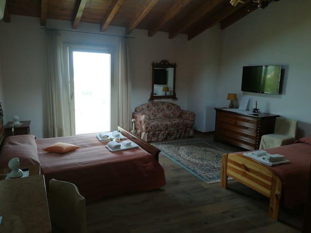 Casa Santa Lucia camera quadrupla con bagno