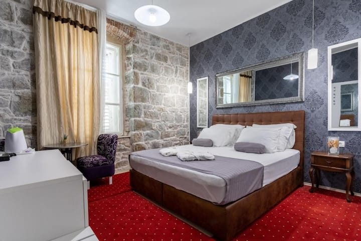 2ppl Bedroom With Breakfast and Free Mini Bar