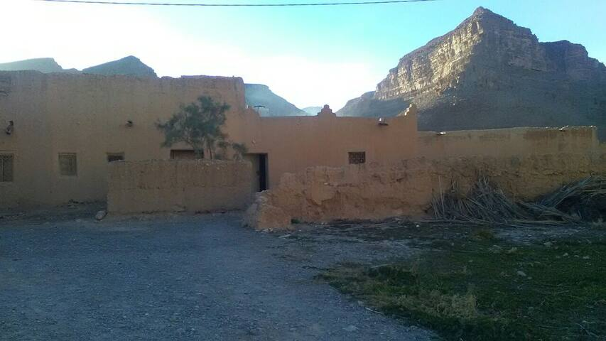 Small house berber:gorges de ziz