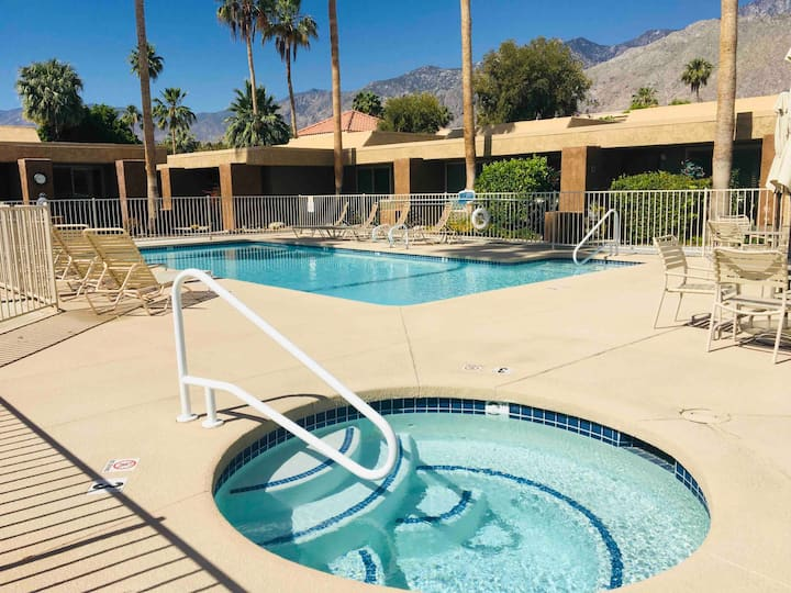 Fabulous 1Bd/1Ba Condo with Pool, Spa & Patio