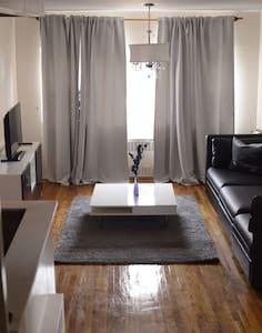 Spacious Apartment - Brooklyn - Apartment