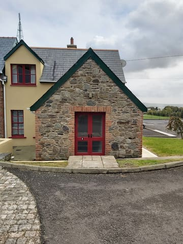 No. 1 Mary Deeneys Self Catering Cottages, Muff