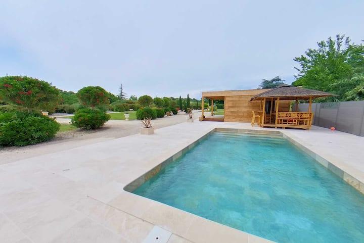Modern Villa, Private Pool, Sleeps 6 Near Pezenas