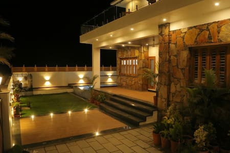 A awesome private space in Lakecty udaipur resorts