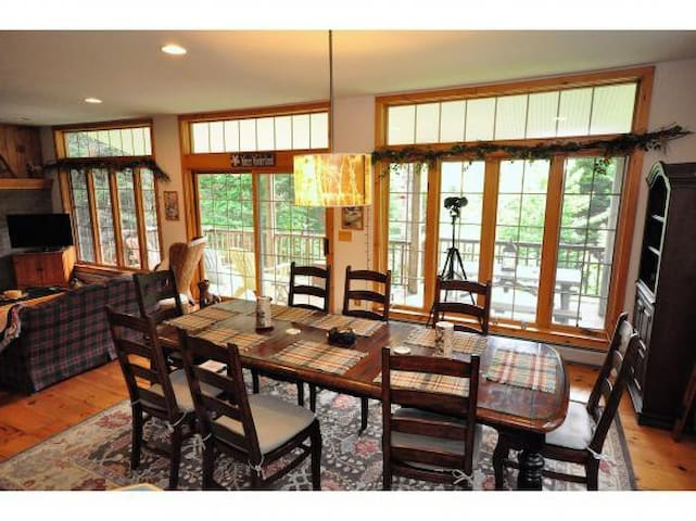 Beautiful home less than 1 mile from Mt. Snow!