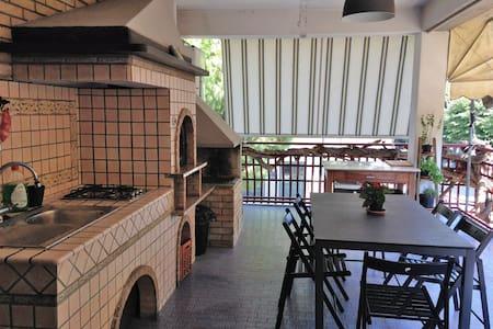 Grande casa al mare con terrazzo e pianoforte - Porto San Giorgio - Lejlighed