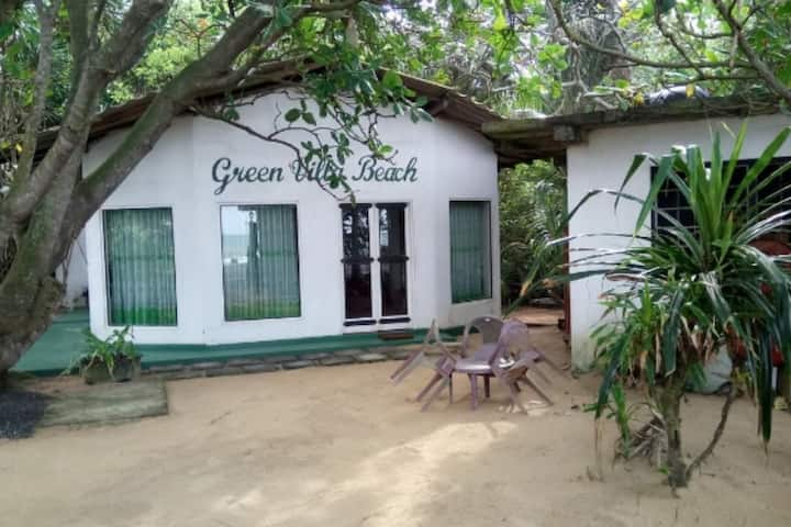Green Villa Beach and Juice Bar (2)