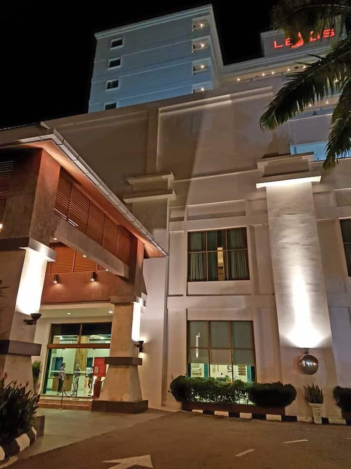 Lexis Suite Apartment