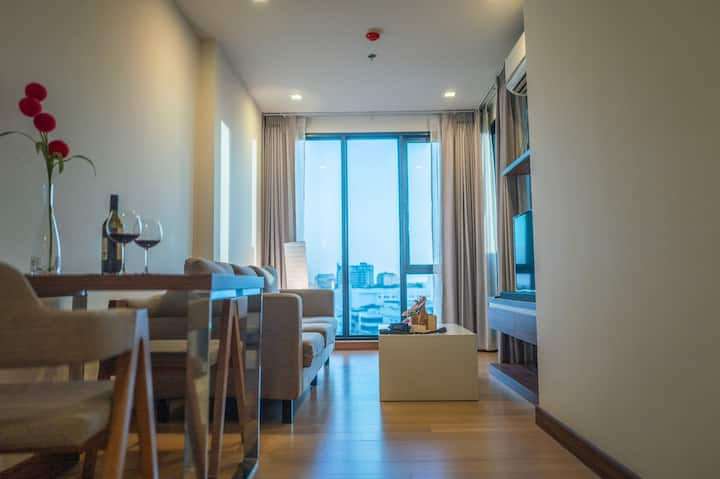 Best Deal for THE ASTRA Luxurious Condo in Center
