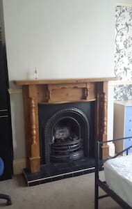 Double rooms available in lovely town house - Kettering - Σπίτι