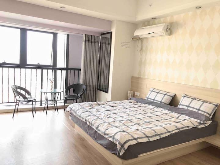 「岛主计划1.1 Islander's house」可长租 市中心浦西万达清新舒适海洋风电梯公寓大床