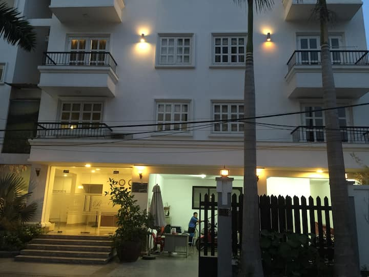 Pearl Service Apartment - Studio Unit - Free Gym