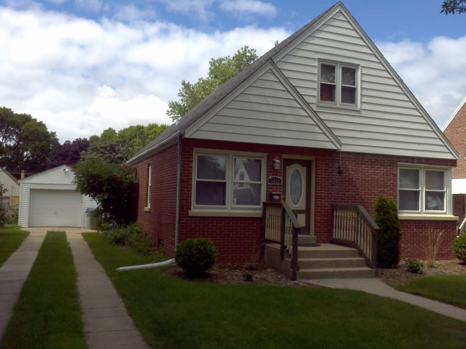 Pvt Bedroom In Charming Cozy Home A Houses For Rent In Milwaukee Wisconsin United States