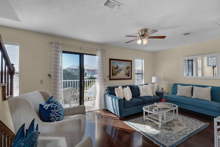 Harbor Waterfront Views on 4 Balconies, Walk to Beach, Simply Charming, Great Location! Holiday Isle