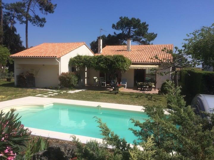 Villa avec piscine privative