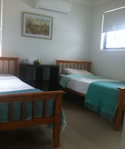 Female travellers and students welcome - Little Mountain - Bed & Breakfast
