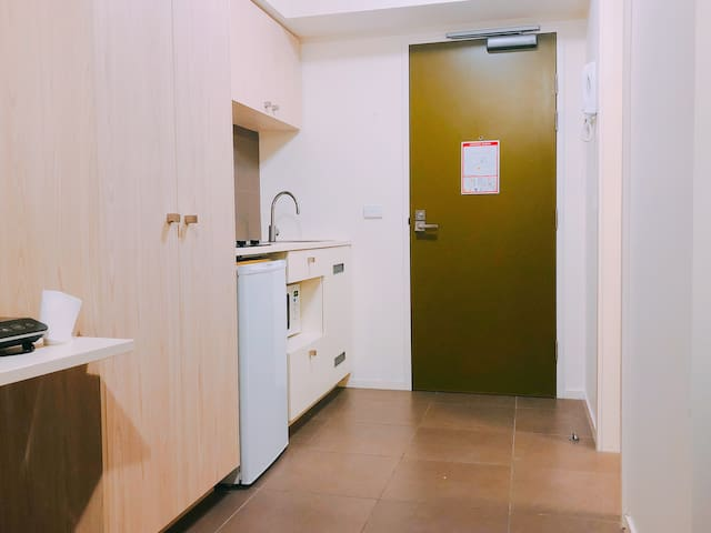 Private, stunning and cozy studio, city central