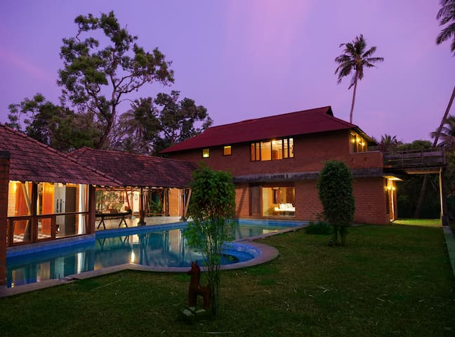 Vinca Lake House - Kerala - Villa