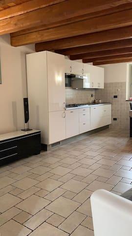 Grazioso appartamento vicino Aosta con due camere