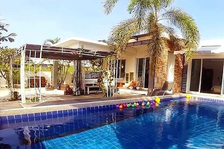 The Family Pool Villa - Tambon Hua Hin