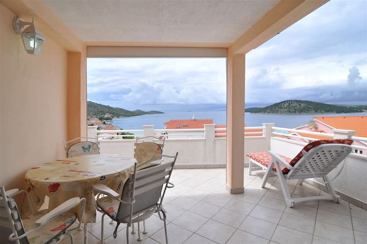 Simple and nice ap with great view, close to beach - Ražanj - Apartemen