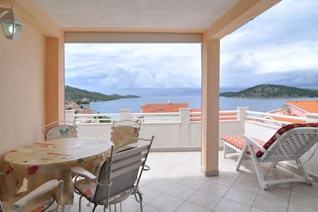 Simple and nice ap with great view, close to beach - Ražanj - Apartmen