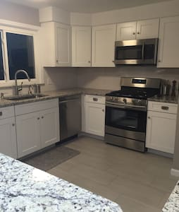 **Renovated 3bed/2.5bath**near shul - Beachwood - Casa