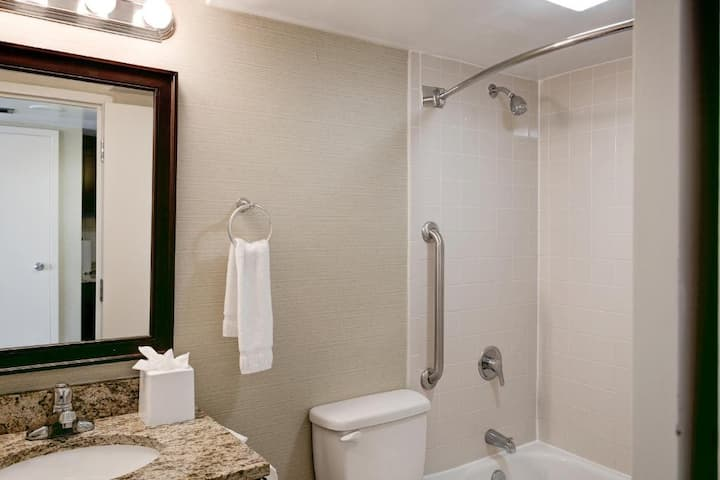 Great Studio Deluxe Ocean Front At Virginia Beach