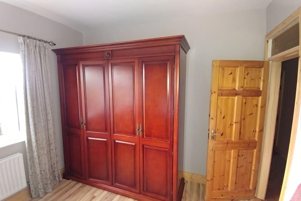 Room 3 wardrobe