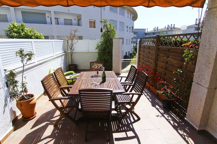 MAGICA Townhouse with communal pool, beach at 100m