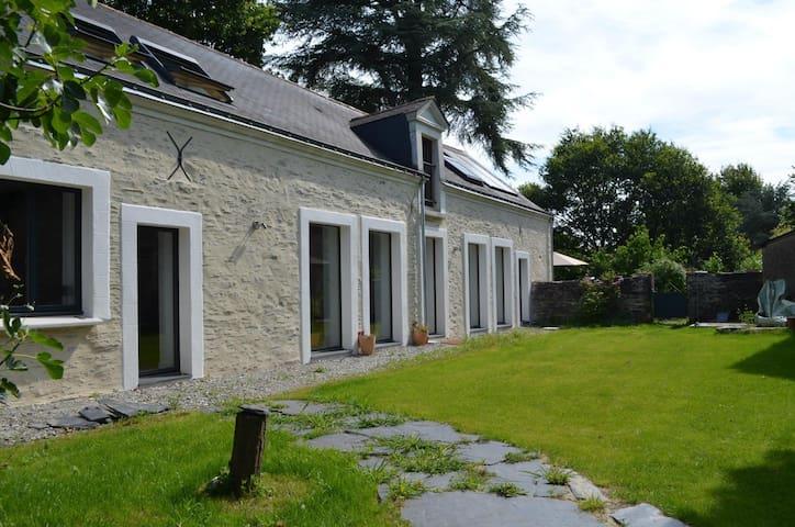 Belle maison rénovée - Mûrs-Erigné - House