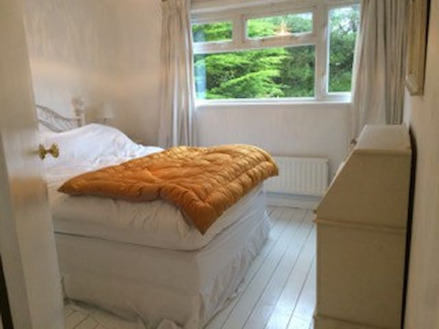 Double room in Seaside House - Milford on Sea - Rumah