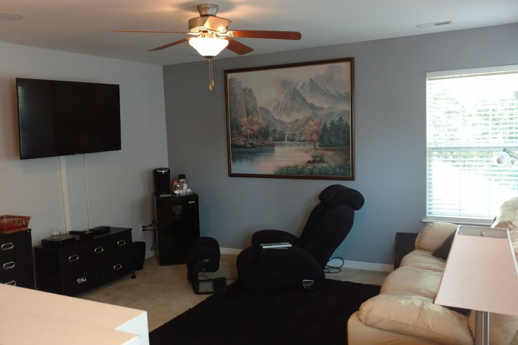 Full Loft w/massage chair