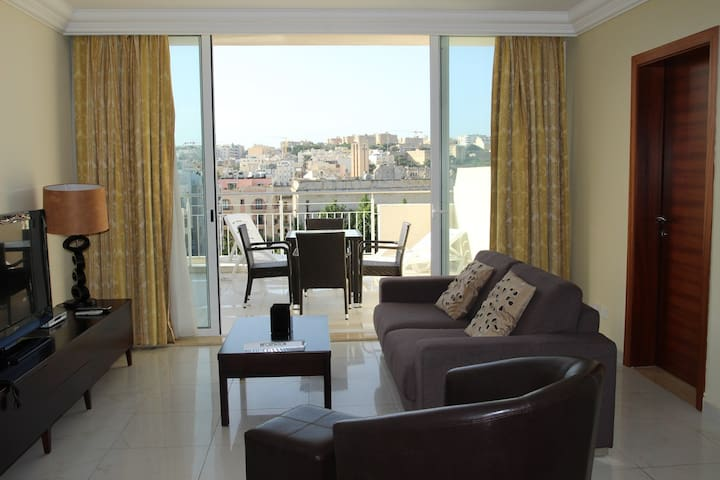 Penthouse Suite with Terrace, steps from Paceville