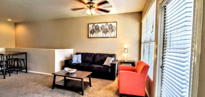 T3A│Mid-Town PHX Townhome│Pool & Spa│On Light Rail