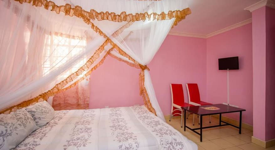 Serene, clean and stylish home away from home. - Nairobi - Hostel