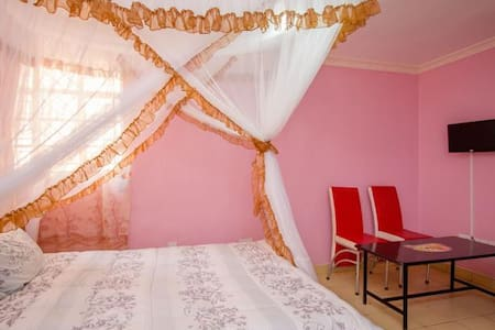 Serene, clean and stylish home away from home. - Nairobi