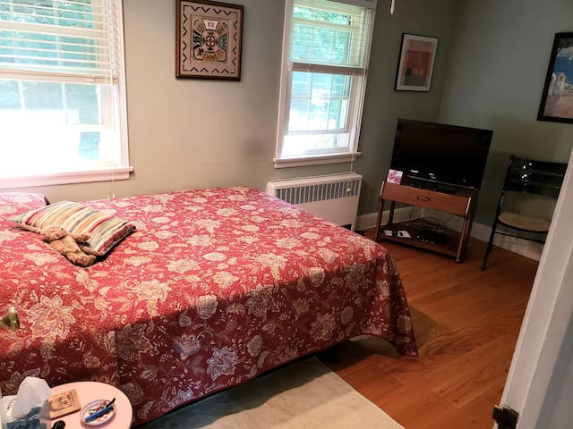 Charming Room at my Nyack House on the Hill