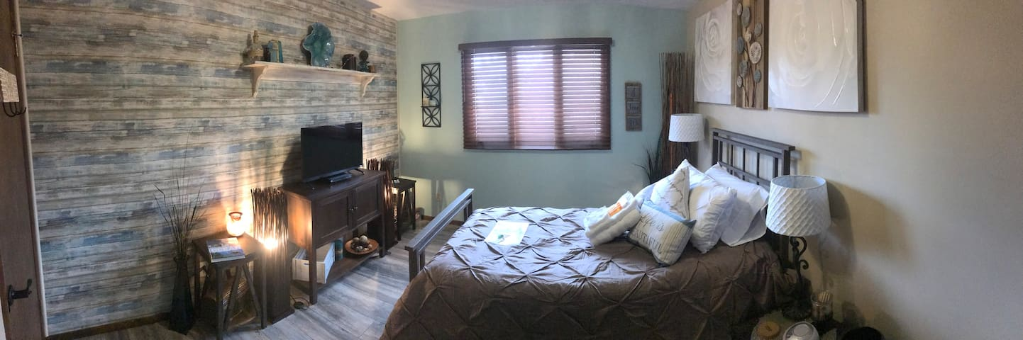 Enjoy a Soft, Cozy home full of Amenities. Room #2