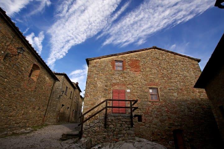 Casa Nando, Castello di Gargonza Historic Hotel
